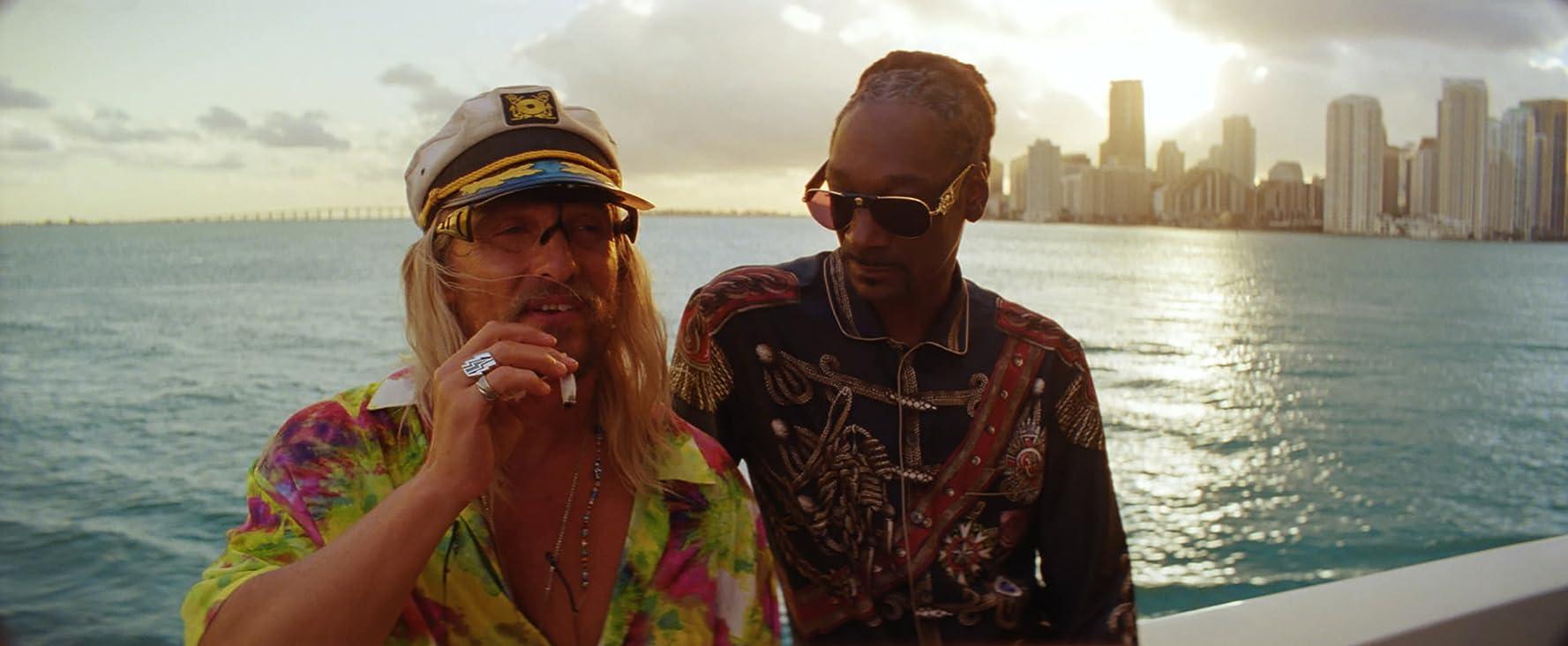 Matthew McConaughey and Snoop Dogg in The Beach Bum (2019)