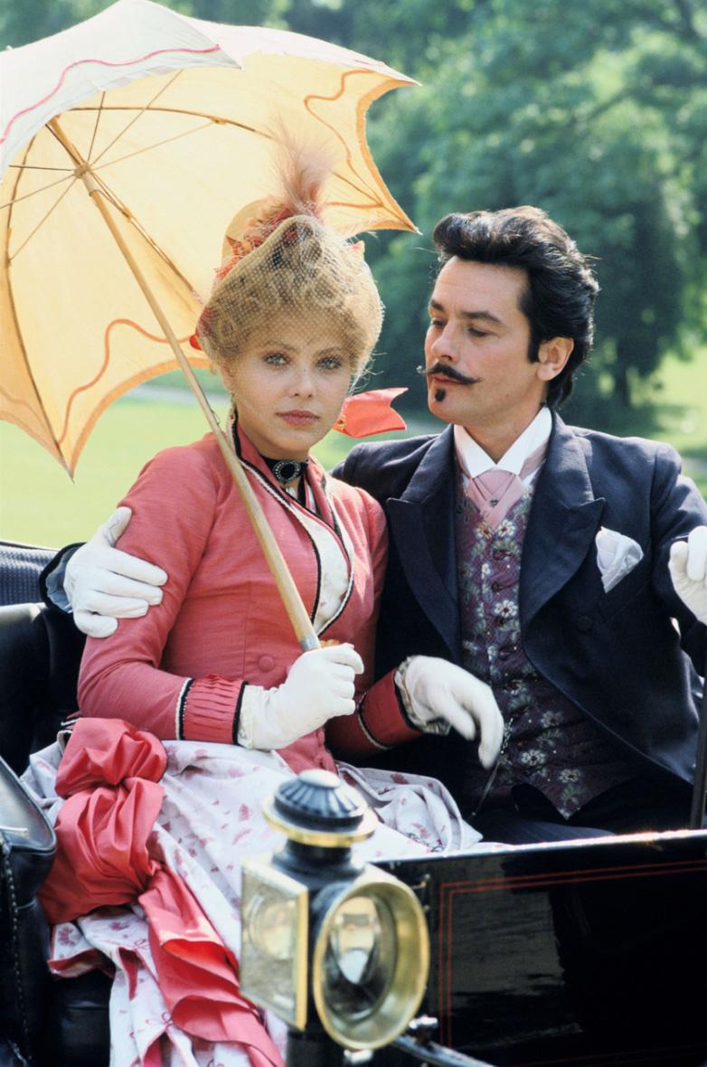 Alain Delon and Ornella Muti in Un amour de Swann (1984)
