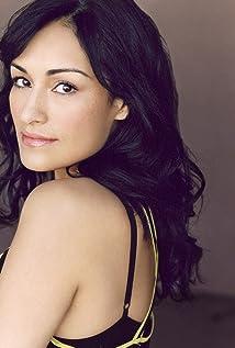 Nicole Shalhoub Picture