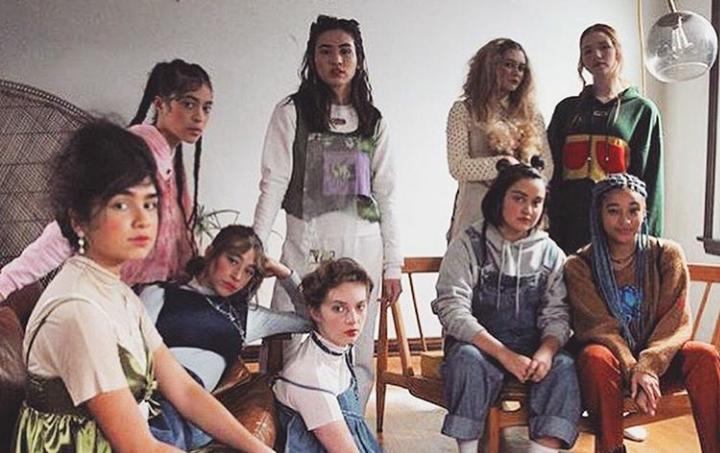 Ryan Simpkins, Annalise Basso, Ariela Barer, and Odessa A'zion in Ladyworld (2018)