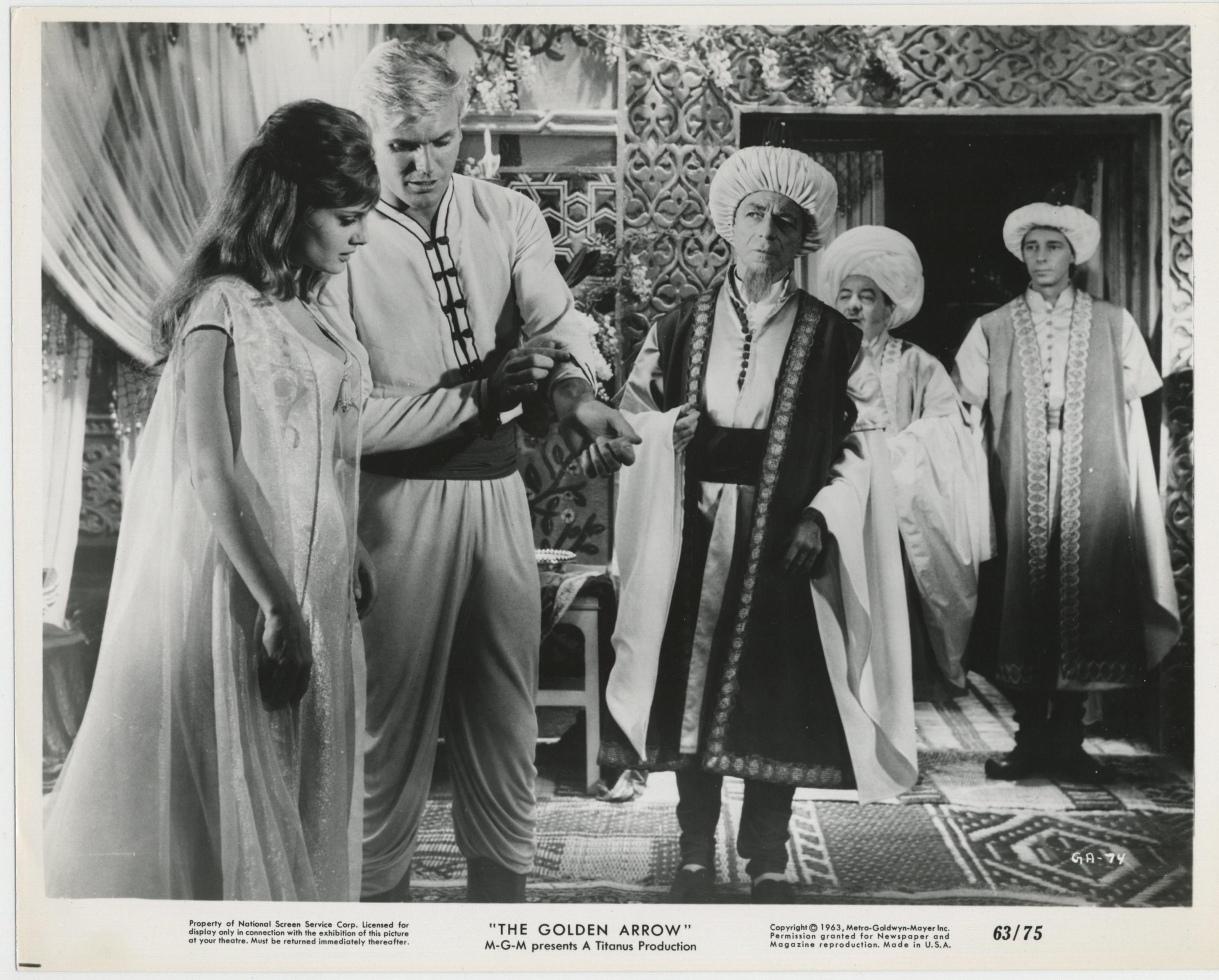 Tab Hunter, Giustino Durano, Umberto Melnati, Rossana Podestà, and Franco Scandurra in L'arciere delle mille e una notte (1962)