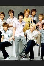 Si Won Choi, Geng Han, Ki-bum Kim, and Hee-chul Kim in Super Junior 05: Miracle (2006)