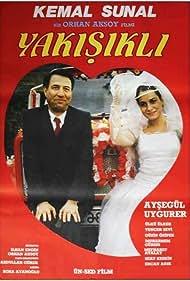 Kemal Sunal and Aysegül Uyguner in Yakisikli (1988)