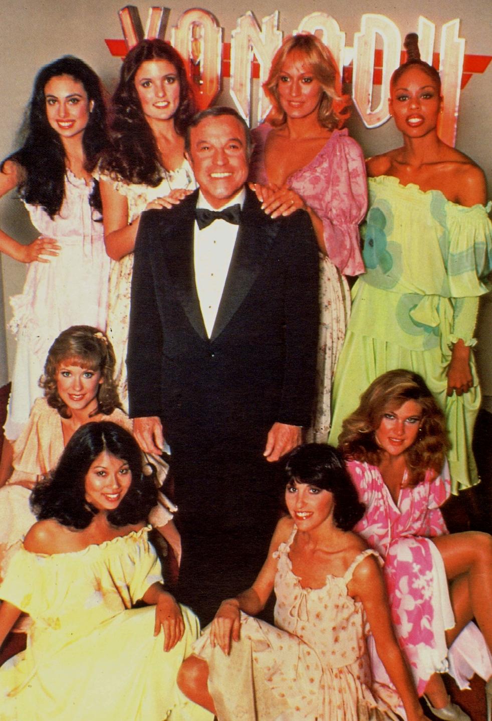 Gene Kelly, Sandahl Bergman, Lynn Latham, Cherise Bates, Teri Beckerman, Juliette Marshall, Melinda Phelps, Marilyn Tokuda, and Yvette Van Voorhees in Xanadu (1980)