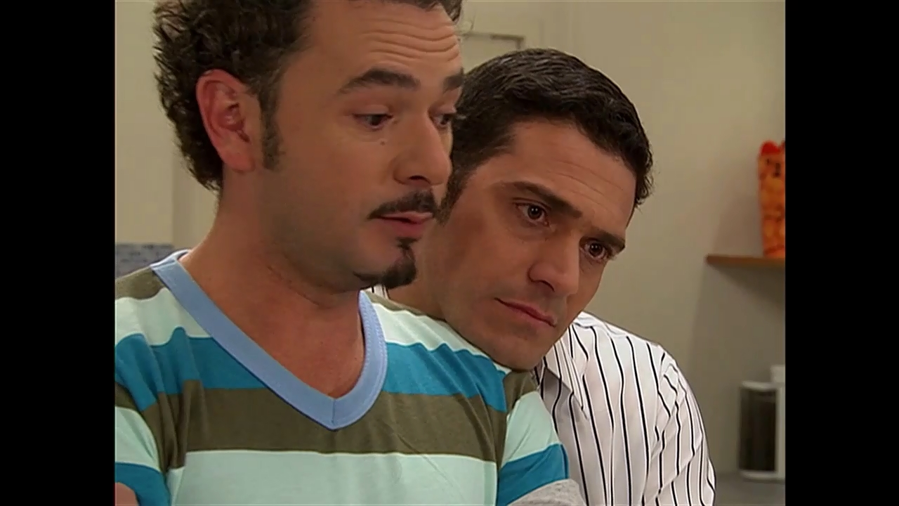Mijail Mulkay and Sebastian Boscán in Victorinos (2009)