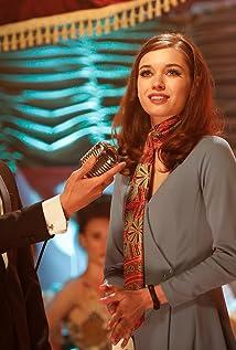 Afra Saraçoglu Picture