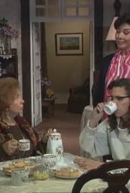 Madalena Sotto, Clara Joana, and Teresa Sobral in Oito Mulheres (1993)