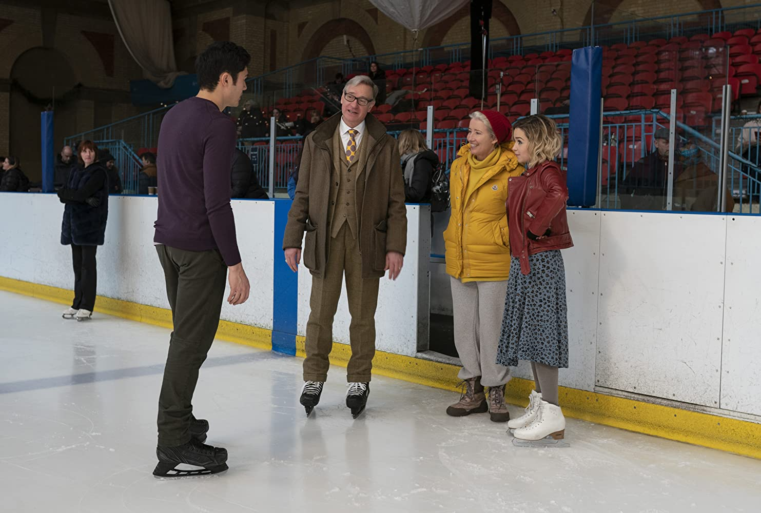 Emma Thompson, Paul Feig, Emilia Clarke, and Henry Golding in Last Christmas (2019)