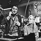 Buster Larsen and Lotte Tarp in Don Olsen kommer til byen (1964)