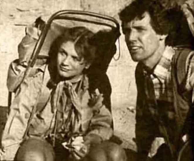 Randy Hamilton and Harley Jane Kozak in Texas (1980)
