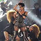 Maya McClean, Nandy McClean, and Rihanna in 2008 MTV Video Music Awards (2008)