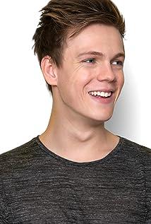 Caspar Lee Picture