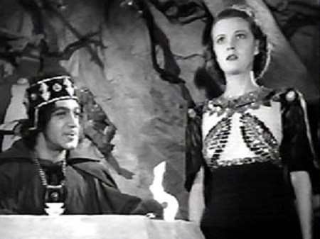 Jean Rogers and Anthony Warde in Flash Gordon's Trip to Mars (1938)