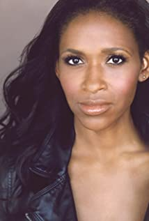 Merrin Dungey Picture
