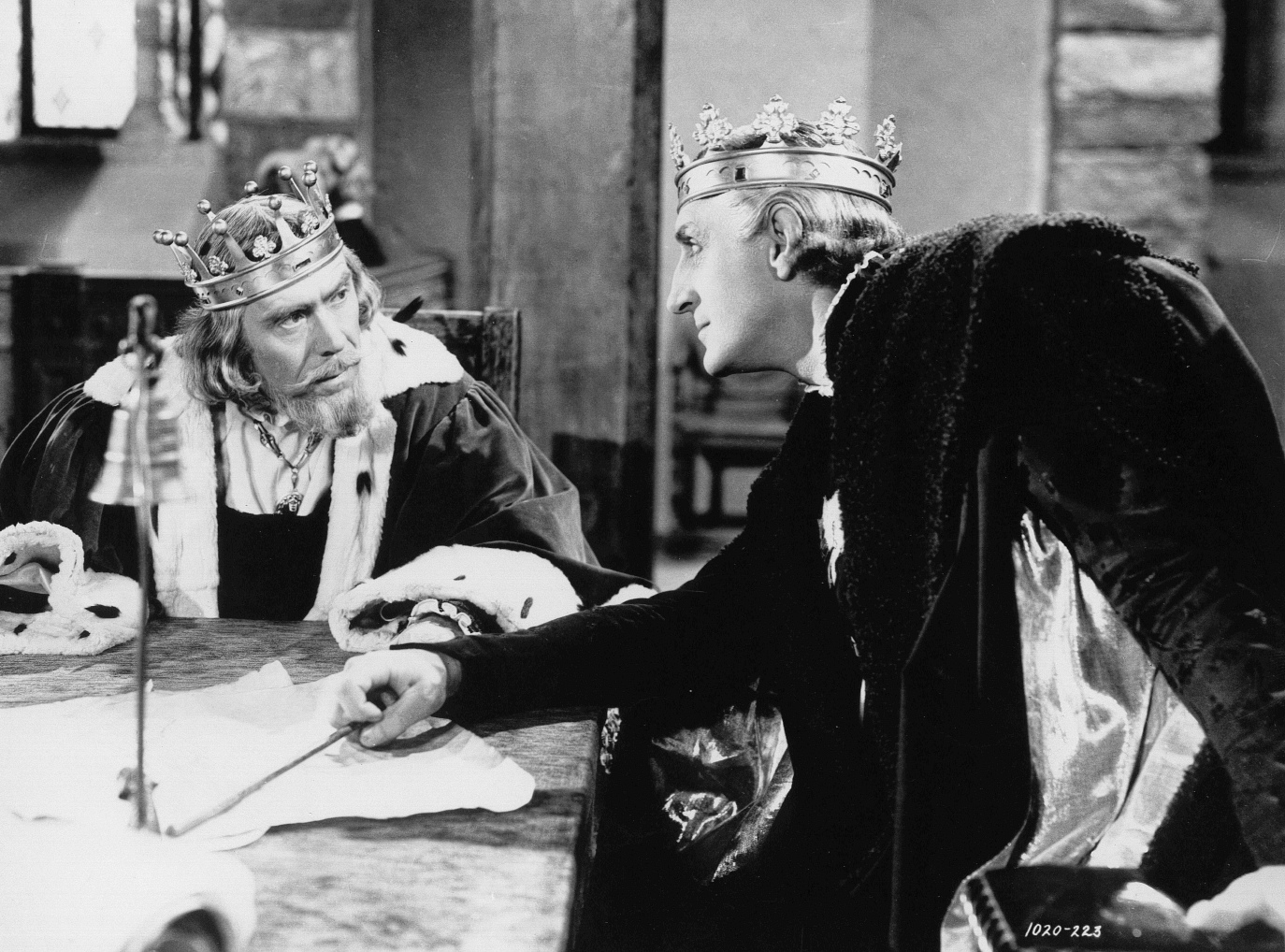 Basil Rathbone and Leo G. Carroll in Tower of London (1939)