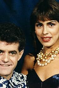Guillermo Montesinos and Jacqueline de la Vega in Pero ¿esto qué es? (1989)