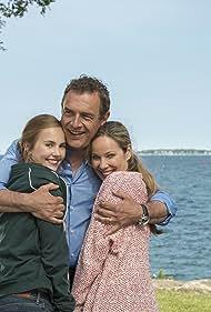 Jean-Yves Berteloot, Ann-Kathrin Kramer, and Annika Schrumpf in Mein Wunschkind (2015)