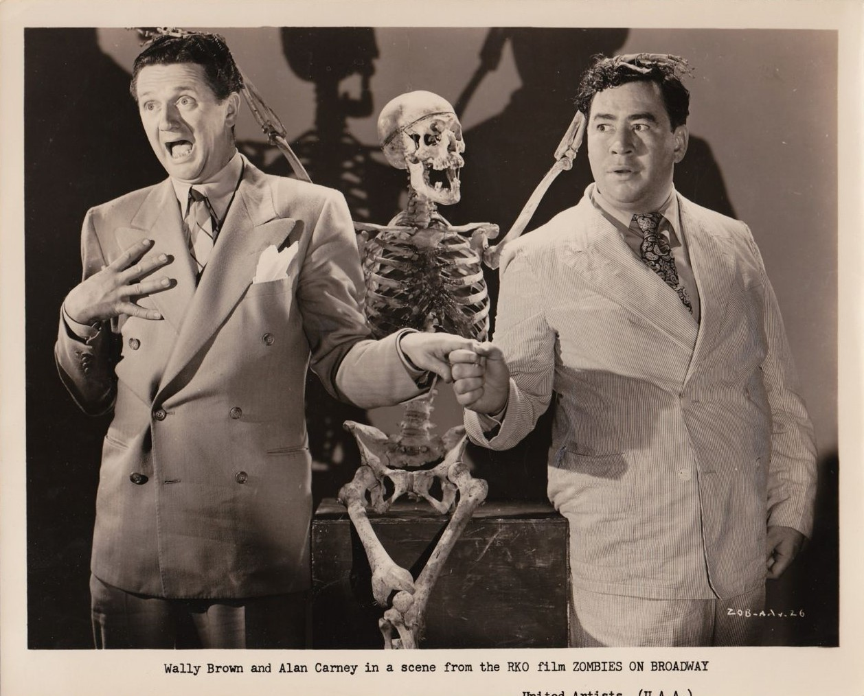 Wally Brown and Alan Carney in Zombies on Broadway (1945)