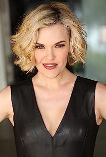 Kari Wahlgren Picture