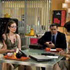 Miguel Hermoso Arnao, Ana Milán, and Esther Regina in Yo soy Bea (2006)
