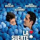 Valeria Bertuccelli and Jorge Drexler in La suerte en tus manos (2012)