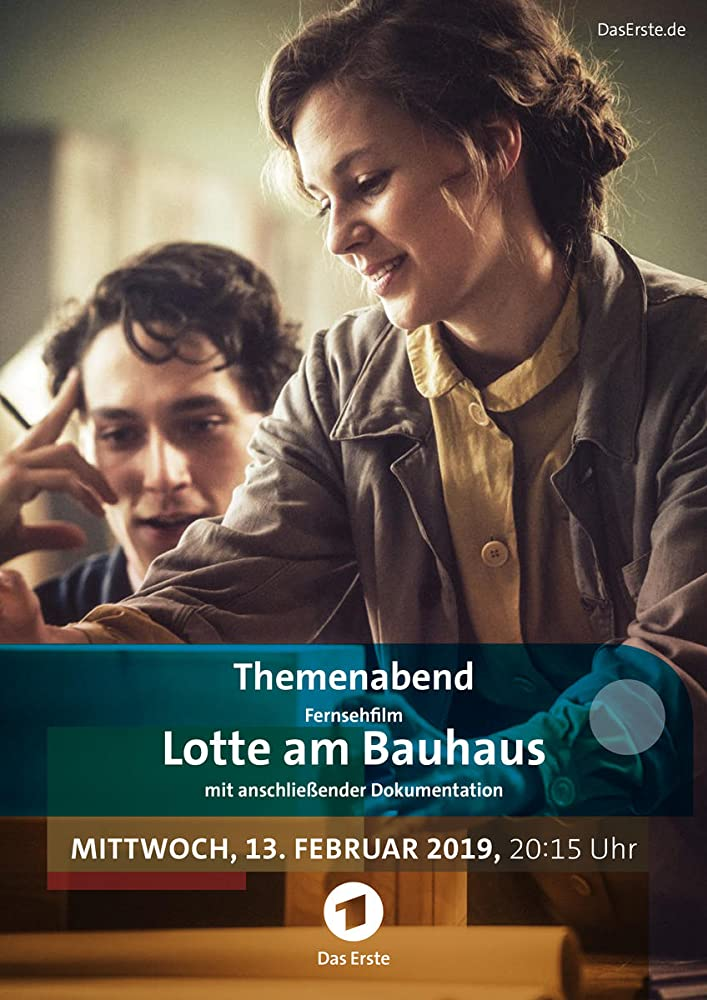 Alicia von Rittberg and Noah Saavedra in Bauhaus (2019)