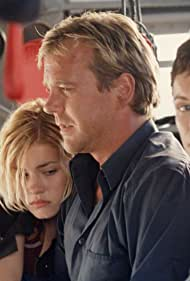 Kiefer Sutherland, Elisha Cuthbert, and Leslie Hope in 24 (2001)