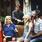 Michael J. Fox, Justine Bateman, Meredith Baxter, Tina Yothers, and Michael Gross in Family Ties (1982)