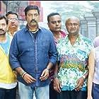 Kedhu Murthy, Aravind Akash, Kalyan, M.S. Bhaskar, Yogi Babu, Vichu Vishwanath, Chandini Tamilarasan, Ashwathy Warrier, and Sugar Vel in Kannula Kaasa Kattappa (2016)