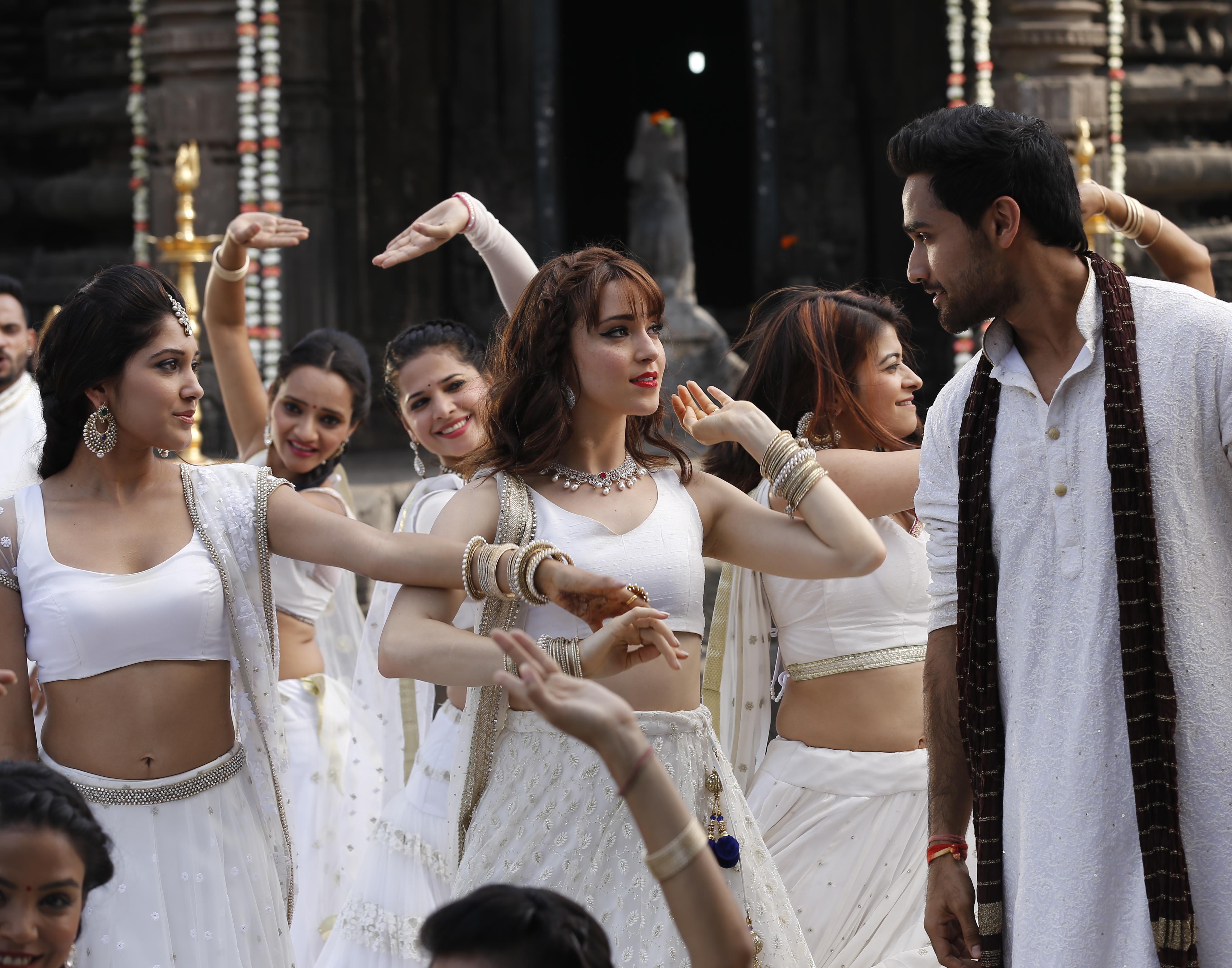 Krystal Ellsworth, Aneesha Joshi, and Amitash Pradhan in Heartbeats (2017)