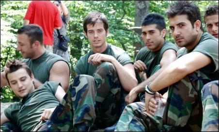 Pashan Yilmazel, Alp Kirsan, Ozan Aydemir, and Firat Çöloglu in Çilgin Dersane Kampta (2008)