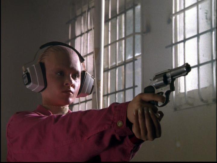 Lauren Woodland in Alien Nation: The Udara Legacy (1997)