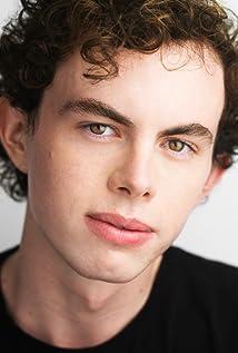 Max MacKenzie Picture