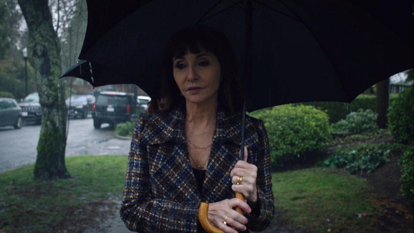 Mary Steenburgen in Zoey's Extraordinary Playlist (2020)