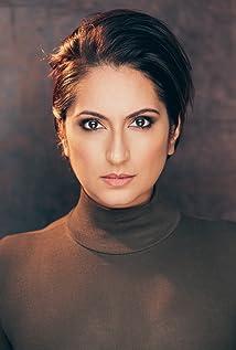 Zehra Fazal Picture