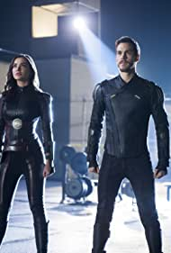 Amy Jackson and Chris Wood in Supergirl (2015)
