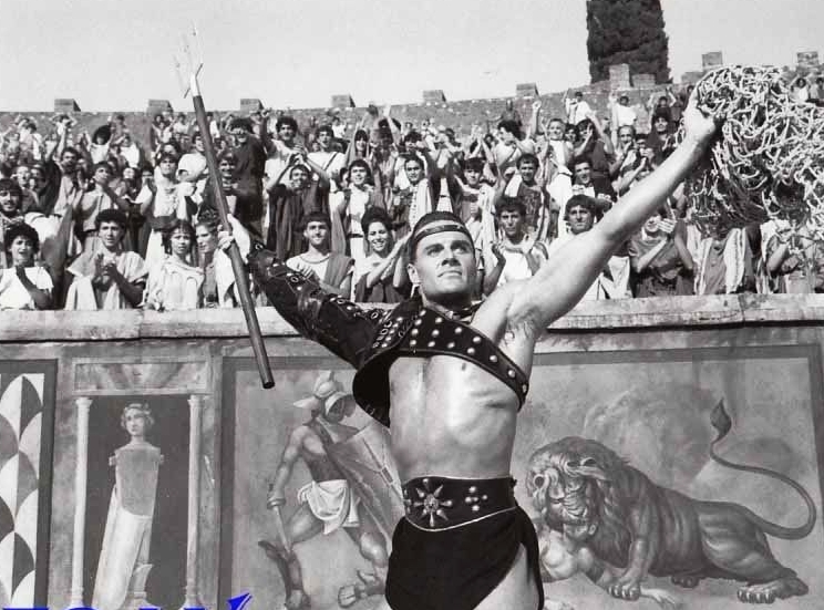 Duncan Regehr in The Last Days of Pompeii (1984)