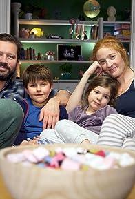 Primary photo for Familien Fredagsslik