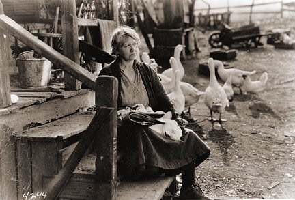 Louise Dresser in The Goose Woman (1925)