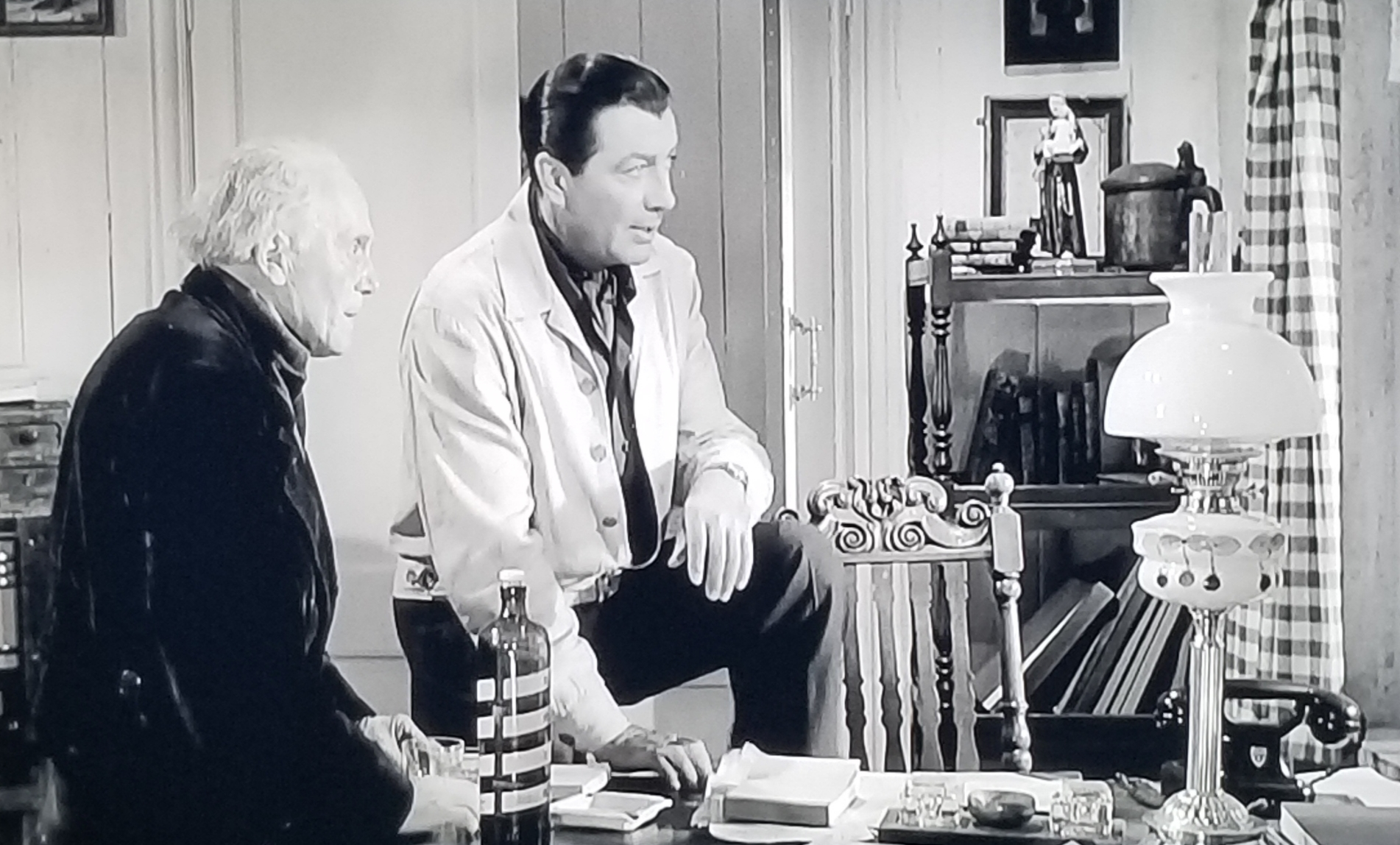 Robert Taylor and Paul Hardtmuth in The House of the Seven Hawks (1959)