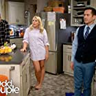 Matthew Perry, Busy Philipps, and Thomas Lennon in The Odd Couple (2015)