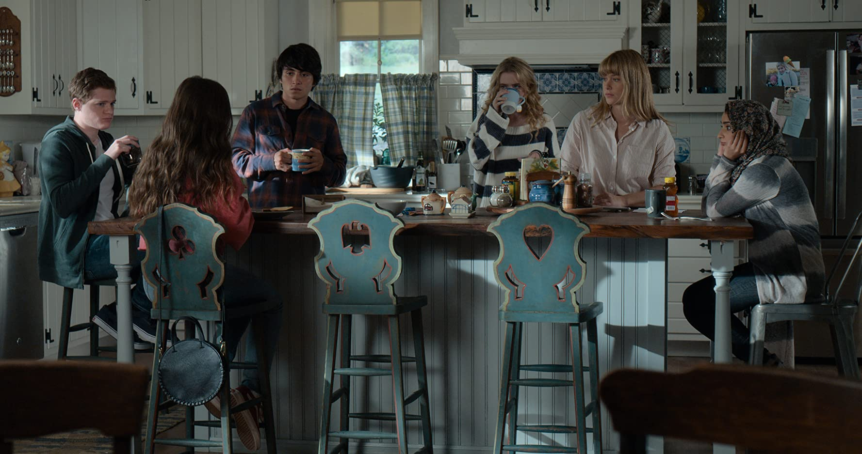 Kathryn Newton, José Julián, Sean Berdy, Gideon Adlon, Rachel Keller, and Salena Qureshi in The Society (2019)