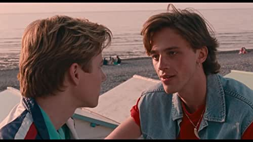 What do you dream of when you're 16 years old and in a seaside resort in Normandy in the 1980s? A best friend? A lifelong teen pact? Scooting off on adventures on a boat or a motorbike? Living life at breakneck speed? No. You dream of death. Because you can't get a bigger kick than dying. And that's why you save it till the very end. The summer holidays are just beginning, and this story recounts how Alexis grew into himself.
