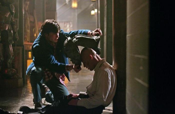 Smallville 4×17 – Ónix