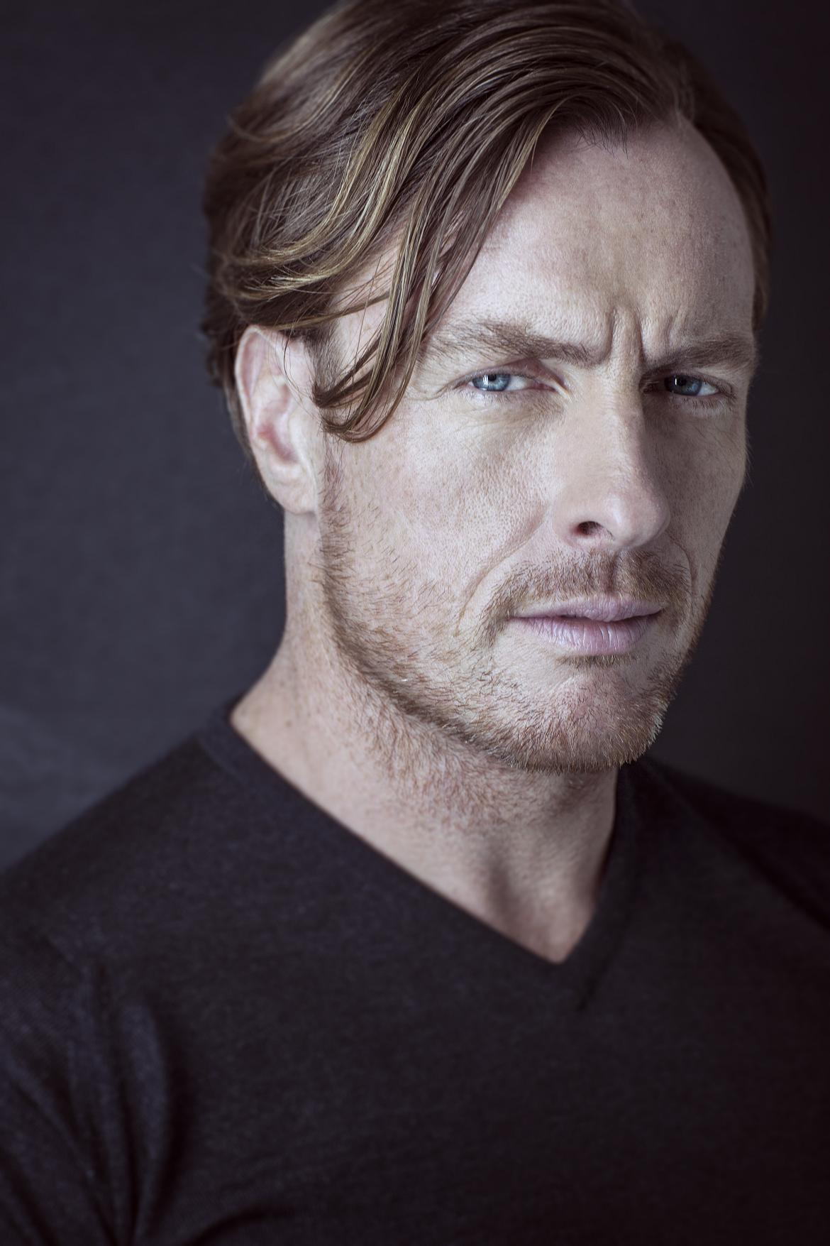 Watch Toby Stephens (born 1969) video