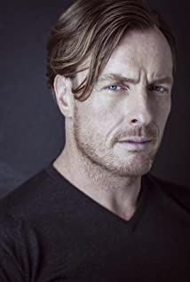 Toby Stephens Picture