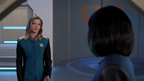 The Orville: Claire & Her Kids Load The Ship