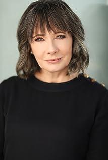 Miriam Smith Picture