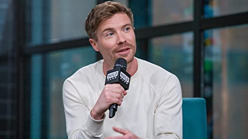 "BUILD: How ""Game of Thrones"" Impacted Joe Dempsie Life"