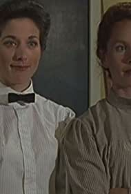 Rhonda McLean and Jennie Raymond in Pit Pony (1999)